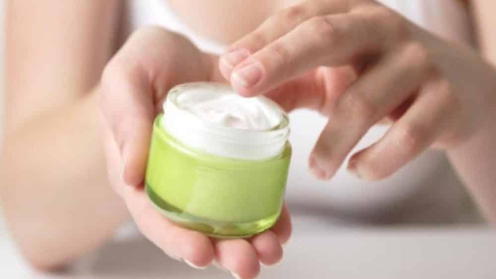 La poudre minérale des acnés