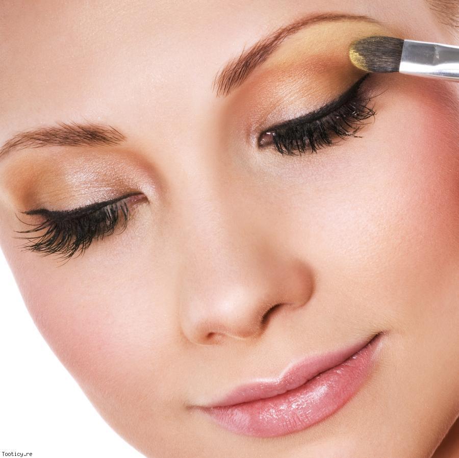 Connu Maquiller les yeux marrons en 4 étapes EO24