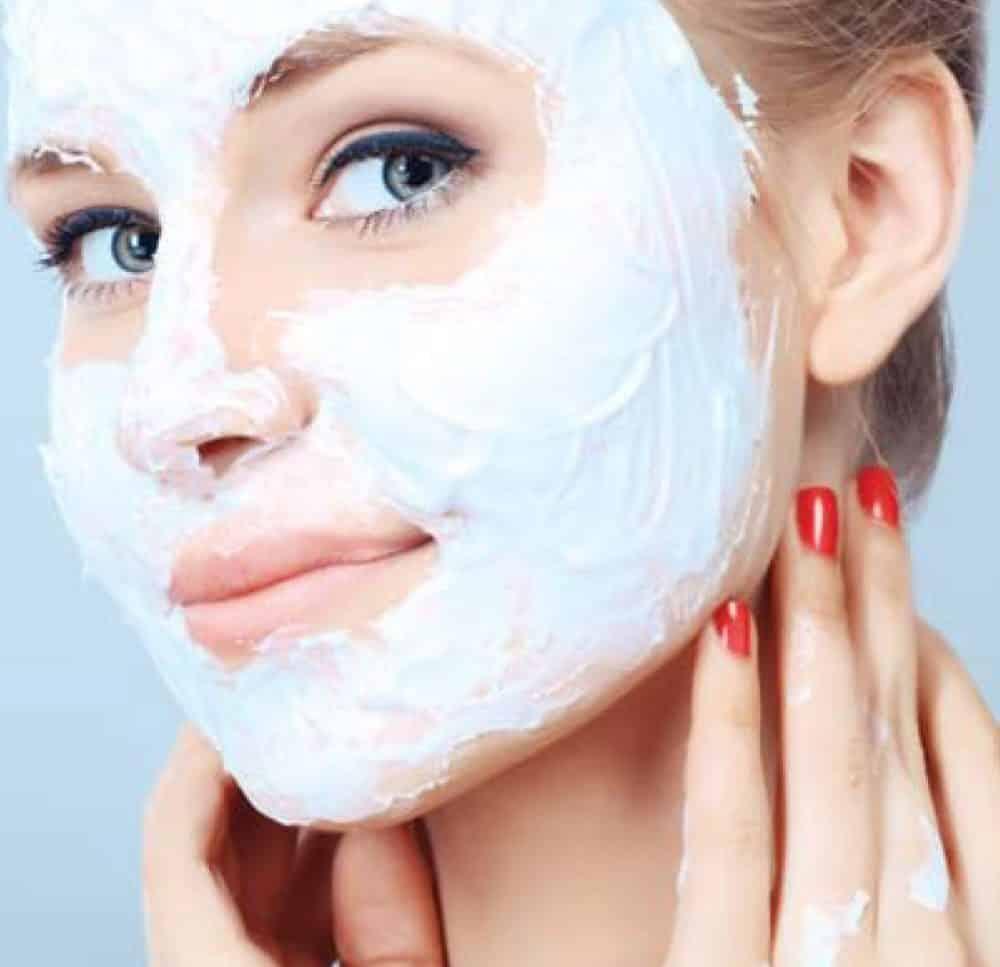 Masque visage fait maison 4 recettes pour cocooner votre peau - Masque maison anti bouton ...