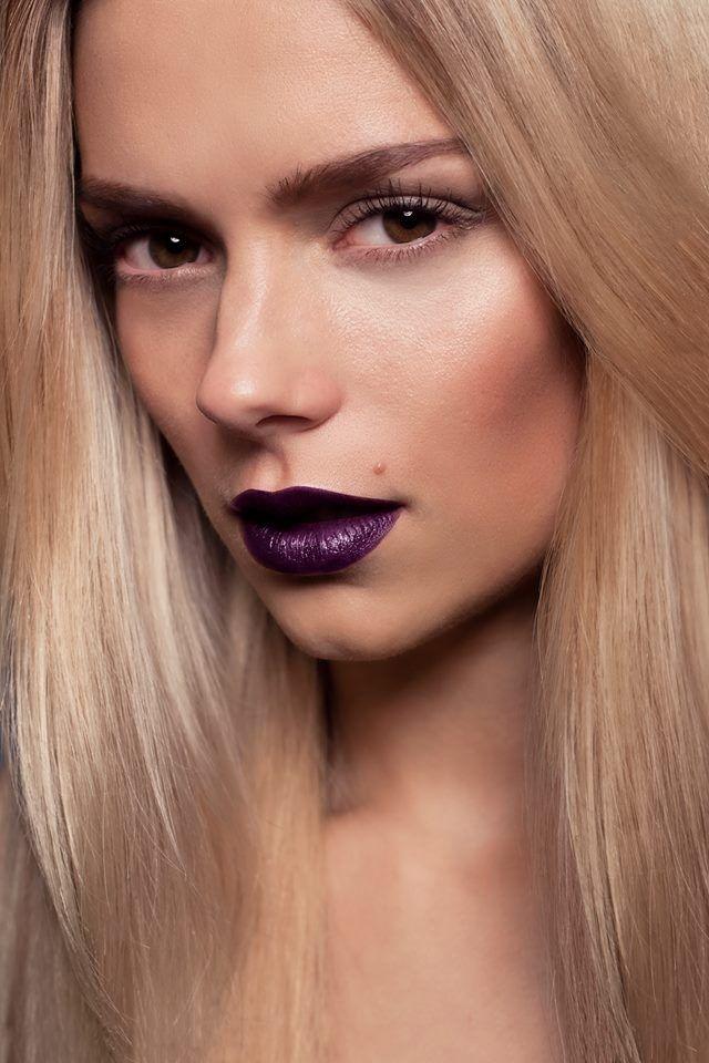 Connu astuces pour bien porter le rouge à lèvres foncé ZZ77