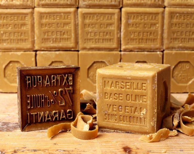 3 bienfaits du savon de marseille. Black Bedroom Furniture Sets. Home Design Ideas