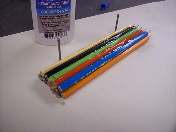R alisez une bague avec des crayons de couleur - Tuto trousse crayons de couleur ...