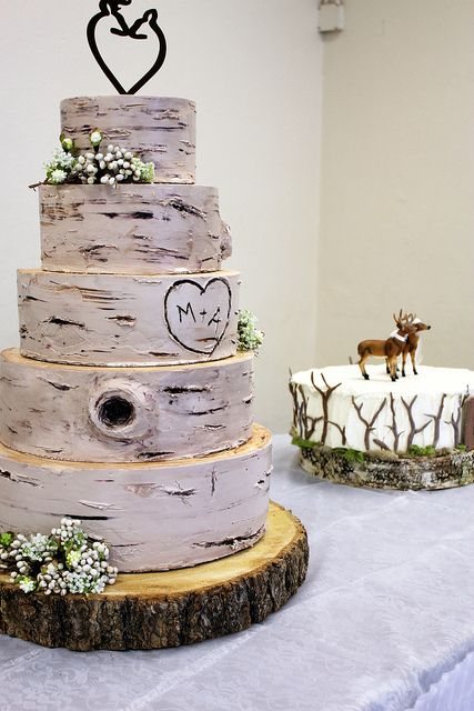 wedding cake that looks like tree bark 30 g 226 teaux de mariages m 233 morables 26249