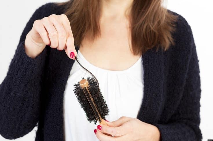 3 gestes qui boostent la chute de cheveux 7