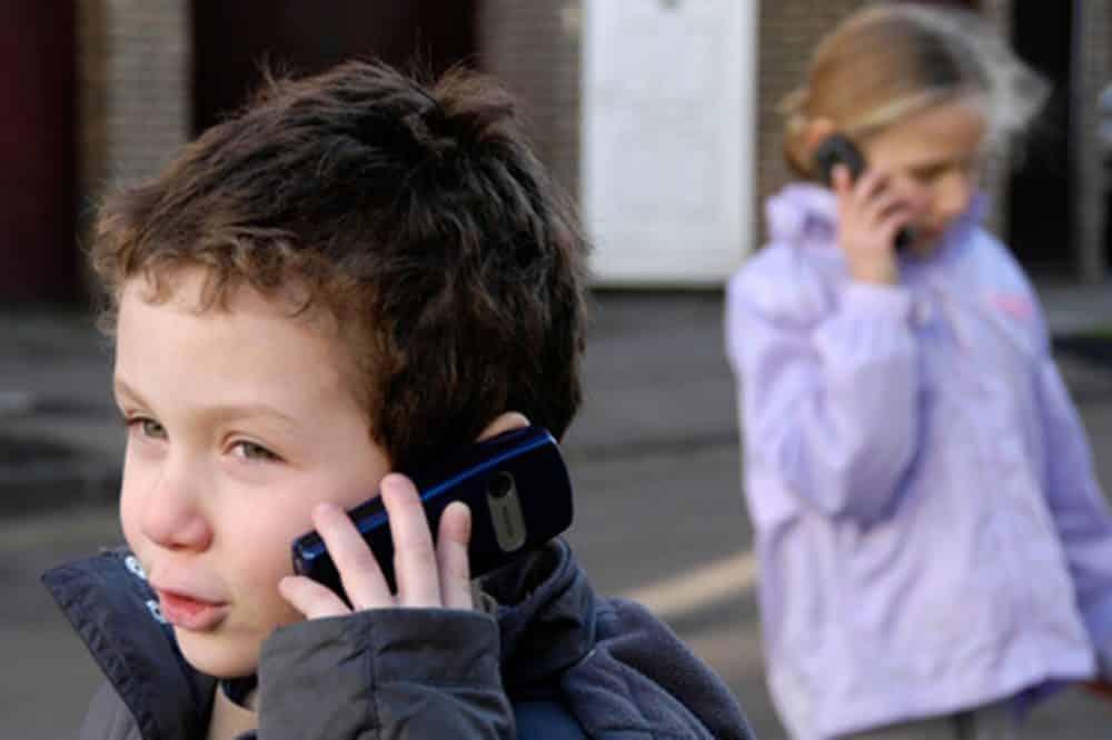 3raisons d'éloigner les portables de vos enfants 11