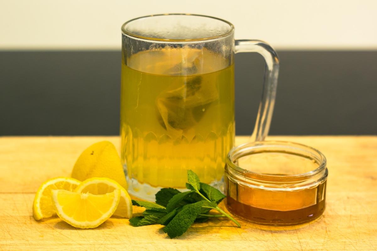 8 choses qui arrivent quand vous buvez de l eau avec du miel et du citron le matin - Quand cueillir les citrons ...