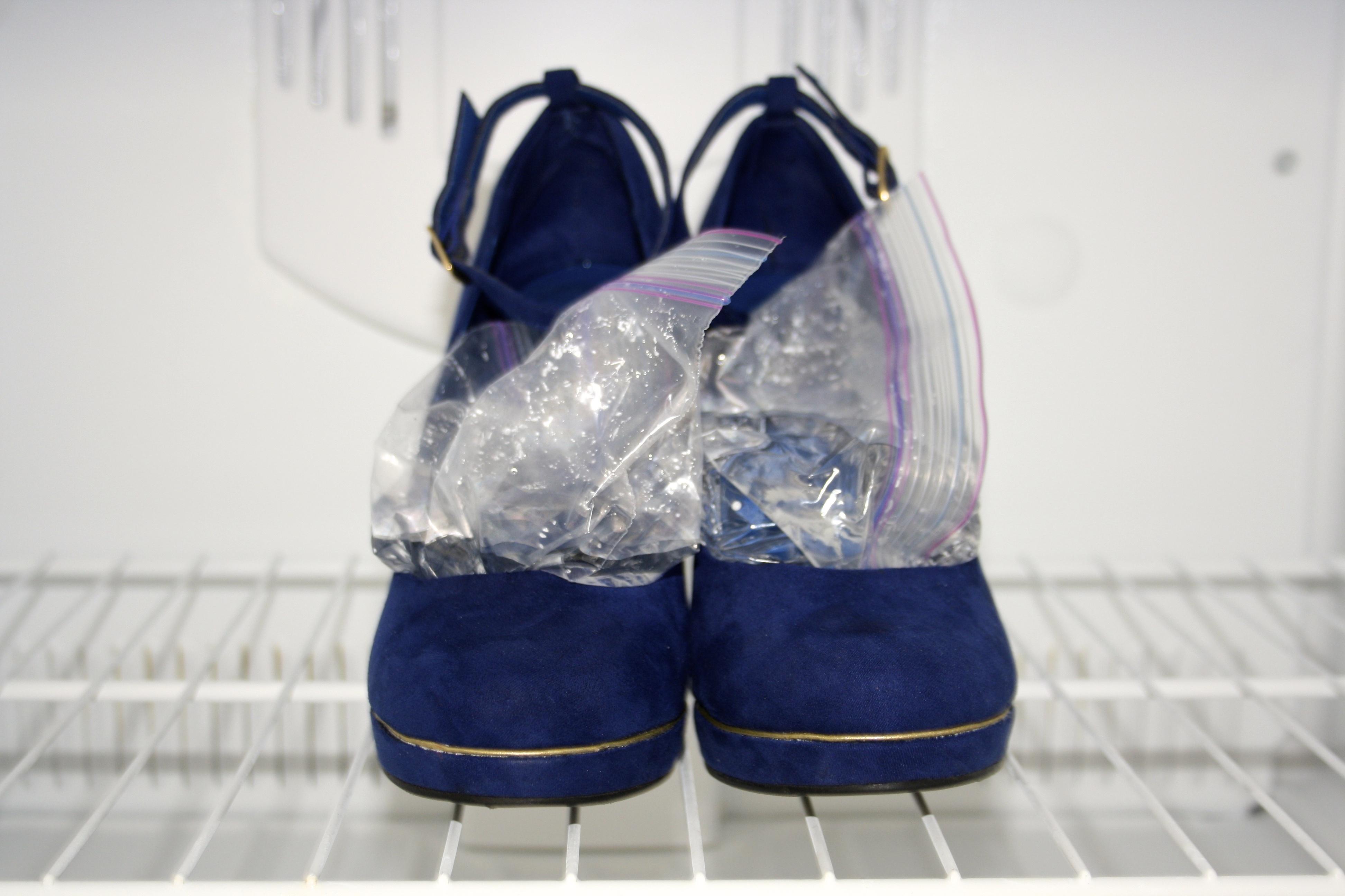 7 astuces pour agrandir des chaussures trop petites. Black Bedroom Furniture Sets. Home Design Ideas