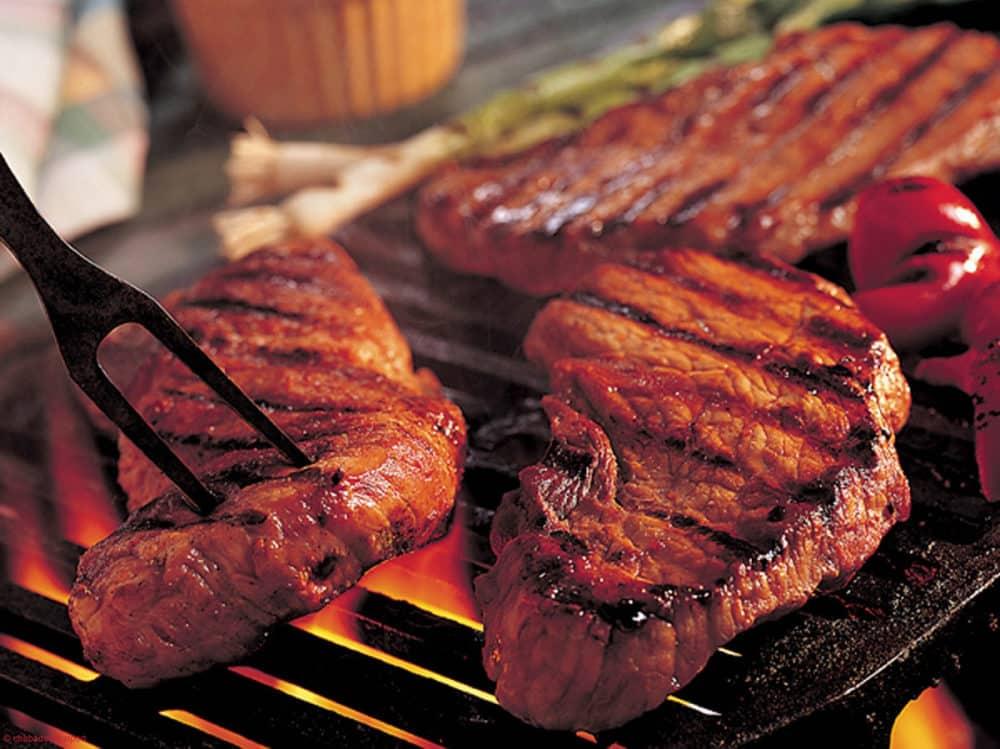 6-aliments-a-ne-pas-consommer-le-soir-Les-viandes-rouges