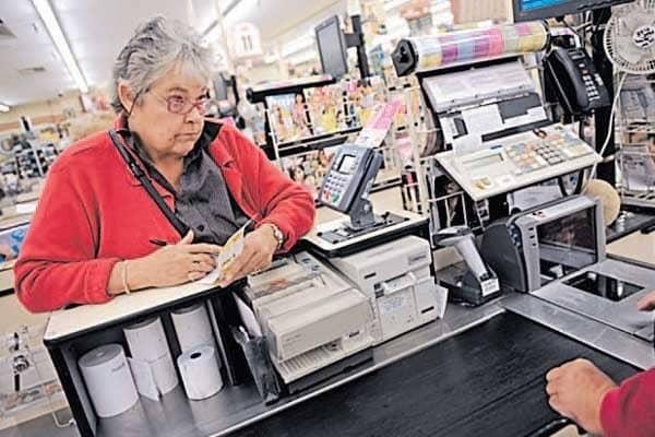 Connaissez-vous L'histoire De La Petite Dame Au Supermarché? Lisez Plutôt :)