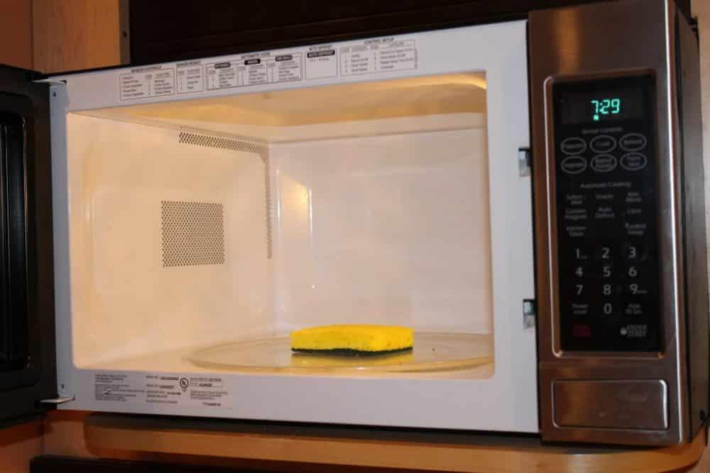 voici les objets que vous ne devez pas mettre dans un micro ondes. Black Bedroom Furniture Sets. Home Design Ideas