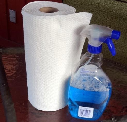 5 choses que vous ne devez jamais nettoyer avec du papier essuie tout. Black Bedroom Furniture Sets. Home Design Ideas