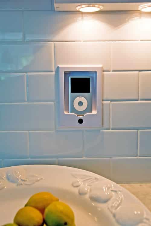 Les objets que vous ne devriez pas ranger dans votre salle for Ventouse salle de bain ne tient pas