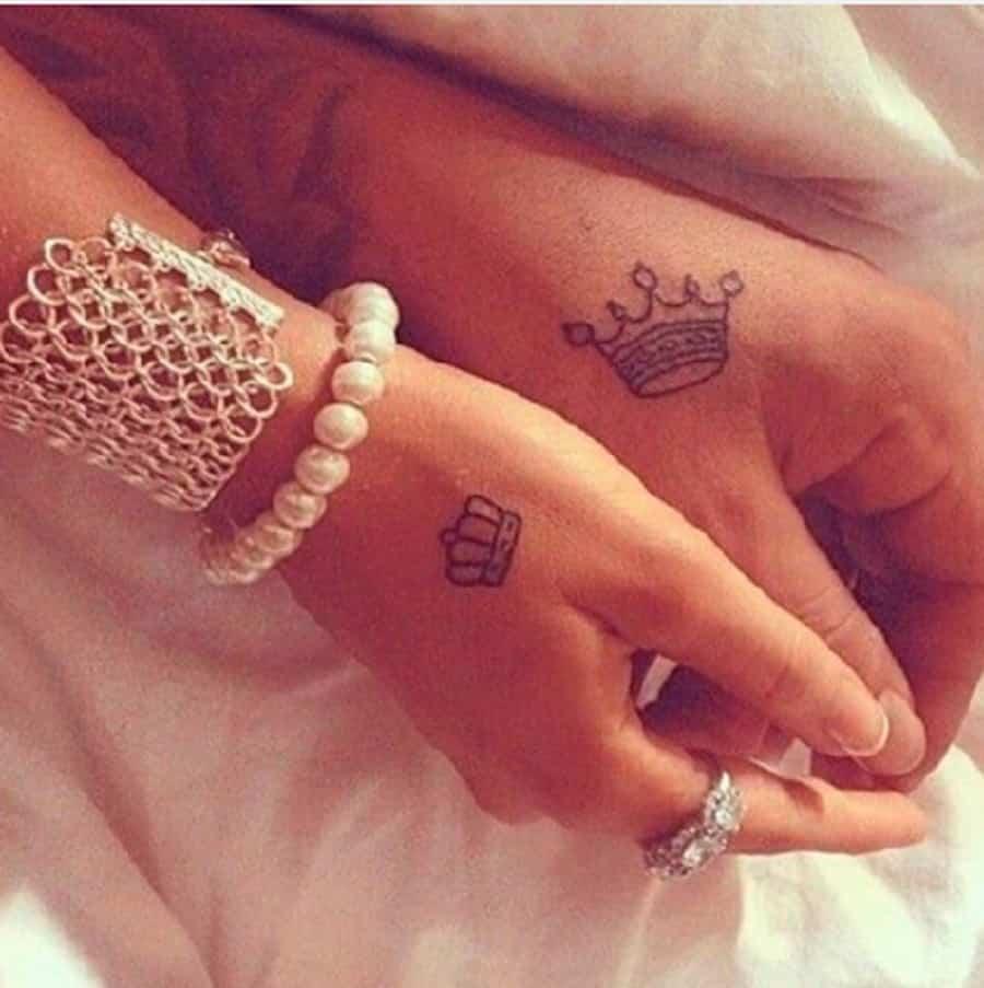 Célèbre 7 idées de tatouages de couple aussi sexy que mignons TI06