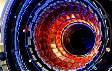 Source image : http://static.hitek.fr/img/actualite/accelerateur-particules.jpg