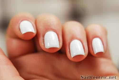 Source image : http://nailcentric.net/wp-content/uploads/2014/03/How-to-apply-white-polish-tips.jpg