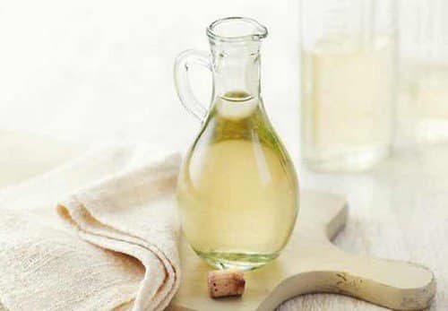5 astuces pour vous d barrasser des mauvaises odeurs des pieds - Mauvaise odeur canalisation vinaigre blanc ...