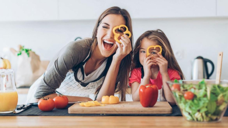Les 6 choses que l'on fait tous en cuisinant ! 2