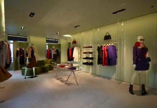 4 conseils pour organiser votre placard et mieux vous habiller. Black Bedroom Furniture Sets. Home Design Ideas