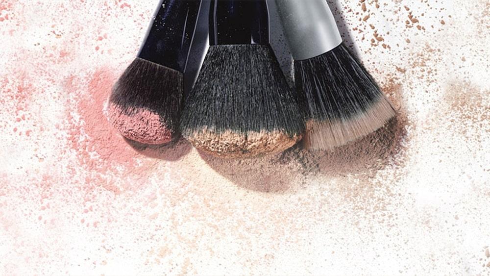 Comment nettoyer rapidement et efficacement vos pinceaux - Comment soulager un coup de soleil rapidement ...