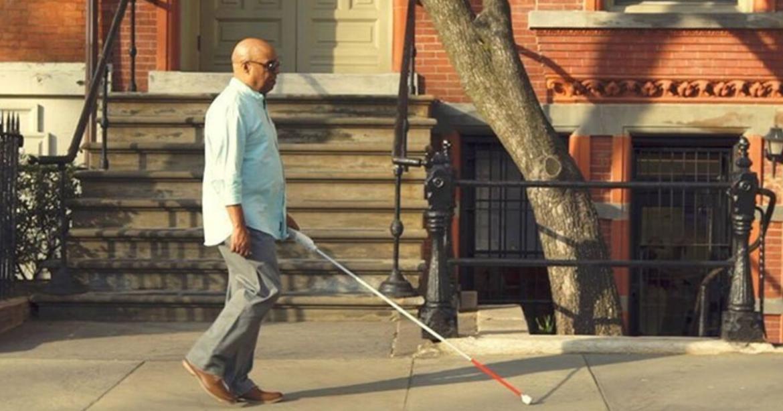 Aveugle, il invente une canne intelligente qui utilise Google Maps pour aider les non-voyants à se déplacer 16