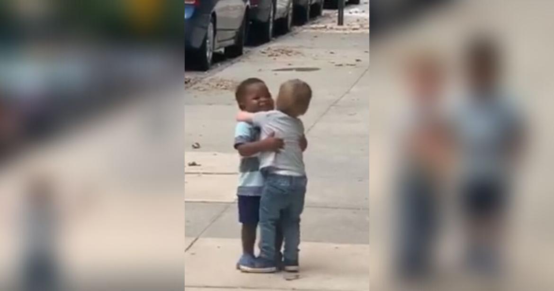 La vidéo de ces deux garçons de 2 ans va vous faire fondre le cœur 17
